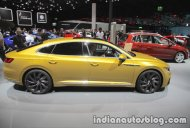VW Arteon R-Line showcased at IAA 2017 - Live
