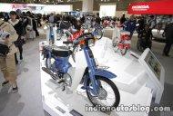 Honda CB1100 RS Custom Concept & Honda Super Cub 50 at 2017 Tokyo Motor Show - Live
