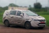 Mahindra U321 MPV shows its toothed grille & more of the front-end [Update]
