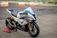Yamaha YZF-R15 transformed into a BMW S1000RR HP4 Race