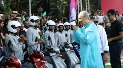 Over 3,000 km long Bajaj Chetak Electric Yatra concludes in Pune