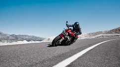 First batch of 2020 Triumph Rocket 3 R sold out; deliveries start