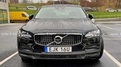 India-bound 2020 Volvo S90 (facelift) spied up close in Sweden