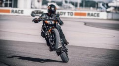 KTM expands its 890 line-up, unveils all-new KTM 890 Duke globally