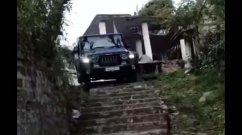 Watch New Mahindra Thar Effortlessly Going Downstairs! - VIDEO