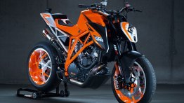 Watch the brutal sounding KTM Super Duke 1290 prototype's Goodwood FOS run [video]