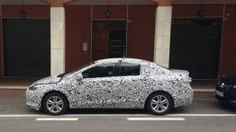 Spied - 2016 Chevrolet Cruze spotted testing in Italy