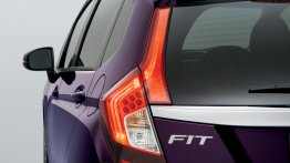 Japan - 2014 Honda Fit (Jazz) bags 62,000 bookings in 1 month!