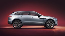Jaguar C-X17 showcased at the Dubai Motor Show, gets its first video review