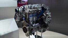 IAB Report - Jaguar Land Rover's Ingenium engine family showcased in Paris