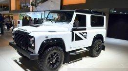 IAB Report - Land Rover Defender Black Pack showcased in Paris