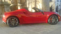 Alfa Romeo 4C Spider spotted in Spain - Spied