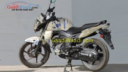 2015 Honda CB Trigger (facelift) spotted for the first time - Spied