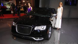 2015 Chrysler 300 (facelift) - IIMS 2015 Live
