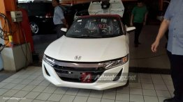 Honda S660 mini roadster spotted in Jakarta, Indonesia – Spied
