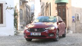 Fiat Egea (Fiat Tipo) exterior and interior walkaround - Video