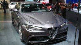 Alfa Romeo Giulia and custom Alfa Romeo 4C - 2015 Dubai Live