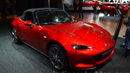 Mazda MX-5 with accessories - Motorshow Focus