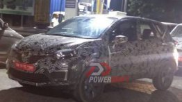 Renault Captur spotted on test with LED DRLs [Update]