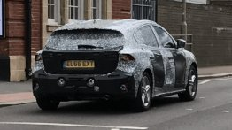 2018 Ford Focus reveals its roofline and more in new spy shots
