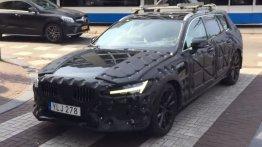 Next-gen 2018 Volvo V60 spotted in Amsterdam [Video]