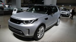2017 Land Rover Discovery at the IAA 2017 - Live
