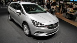 2017 Opel Astra CNG showcased at IAA 2017 - Live