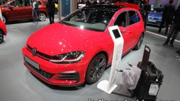 2017 VW Golf GTI Performance and 2017 VW e-Golf - IAA 2017 Live