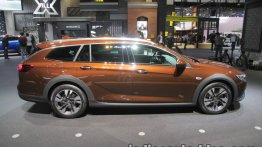 Opel Insignia Country Tourer showcased at IAA 2017 - Live