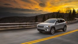2019 Jeep Cherokee (facelift) revealed ahead of NAIAS 2018 debut