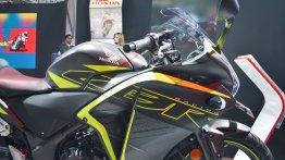 2018 Honda CBR 250R vs Bajaj Dominar 400 - spec comparison