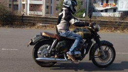 Jawa 300 (Royal Enfield Classic 350 rival) motorcycle spied before launch