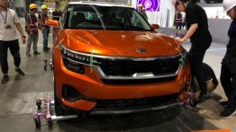 Kia SP Concept snapped in China at the 2018 Guangzhou Motor Show