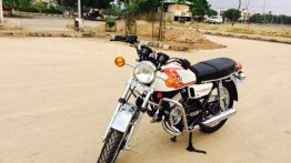 Check out this neatly restored 1985 Yamaha RD350 from Chennai