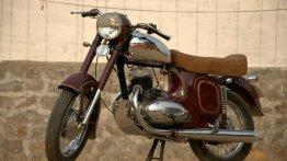 Jawa 250 restored to factory glory by Eimor Customs
