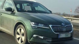 2019 Skoda Superb (facelift) spied testing for the first time [Video]