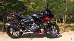 Here's the first Youtuber review of the 2019 Bajaj Pulsar 220F ABS [Video]