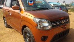 2019 Maruti Wagon R VXi spotted in new Pearl Autumn Orange colour