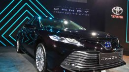 2019 Toyota Camry Hybrid launched in India, priced at INR 36.95 lakh