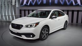 2020 Subaru Legacy - Motorshow Focus