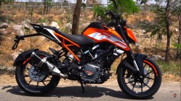 KTM 250 Duke ABS walkaround and braking performance [VIDEO]