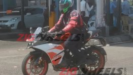 KTM RC125 spotted on test in India
