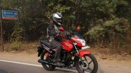 Bike Riding Tips : नए राइडर हैं तो अपनाएं ये ज़रूरी टिप्स