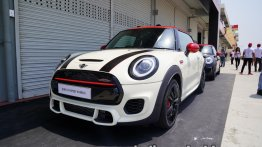 New MINI John Cooper Works Hatch launched, priced at INR 43.5 lakh [Update]