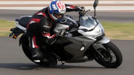 Suzuki Gixxer SF 250 - Track Test Review from BIC