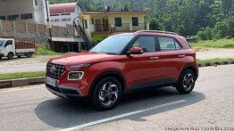 Hyundai Venue के लिए ग्राहकों को करना होगा तीन महीने तक का इंतज़ार