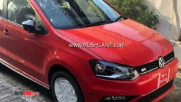 2019 VW Polo (facelift) & 2019 VW Vento (facelift) spied at a dealership