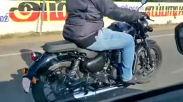 Next-Generation Royal Enfield Thunderbird spied during test run [VIDEO]