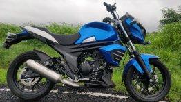2019 Mahindra Mojo ABS snapped in new blue shade