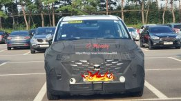 2021 Hyundai Starex (2021 Kia Carnival mechanical twin) makes spy photo debut